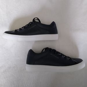Skechers Rise Fit Leather Sneakers
